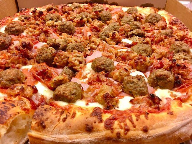 First Class Pizza - The Porker
